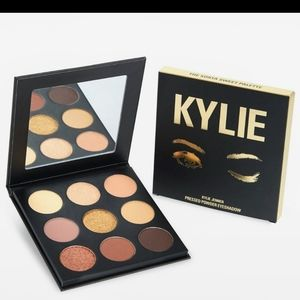 Kylie Jenner The Sorta Sweet Shadow Palette